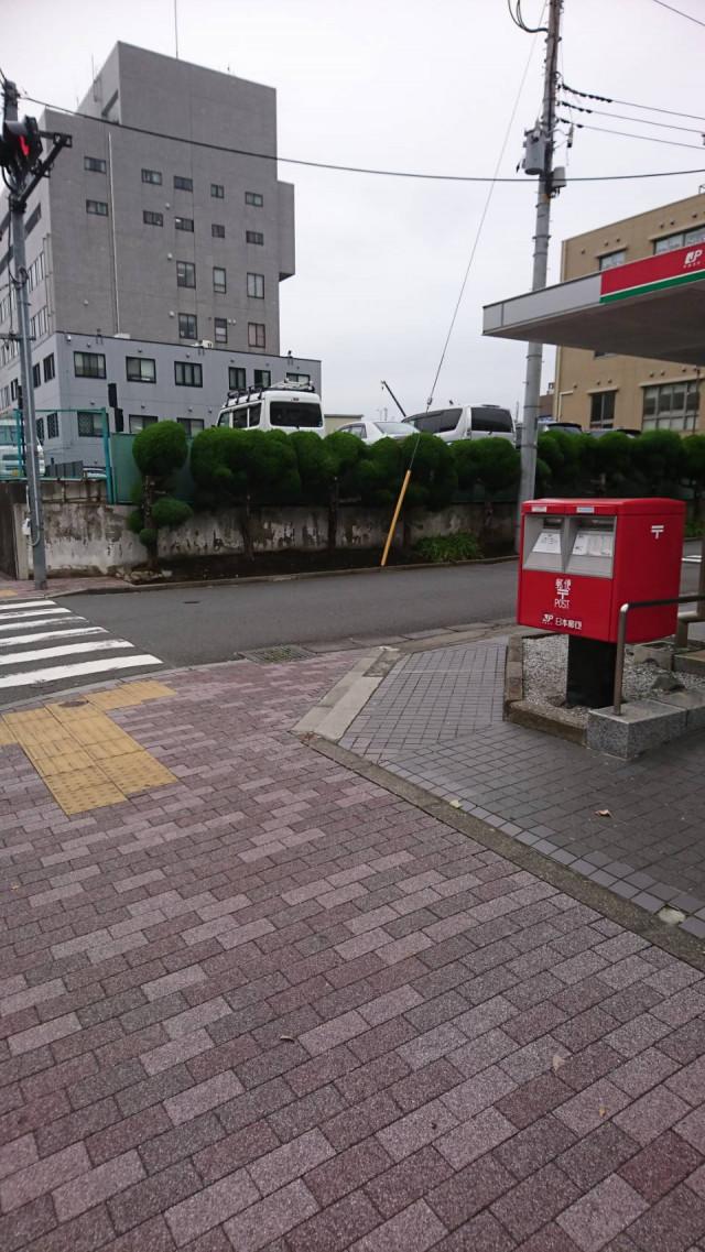郵便局の角